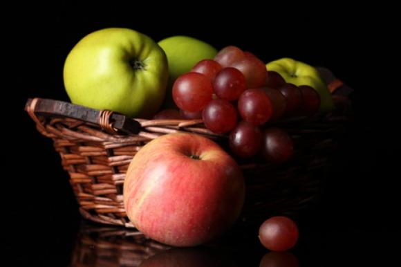 uvas y manzanas-w580